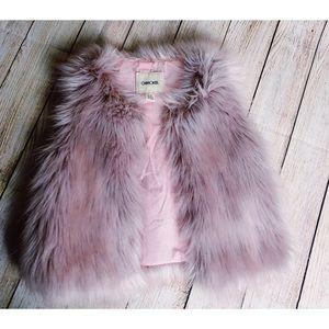Cherokee Faux Fur Vest Size Small (girls)
